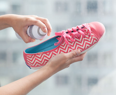 new uses dry shampoo sneakers